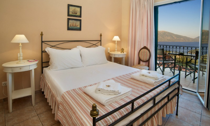 kefalonia-agnantia-hotel-junior-suite-three-areas-03