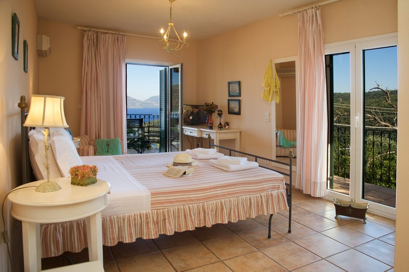 Agnantia_Superior-Apartment_Double-Bed_Walking_Holidays_Offer5